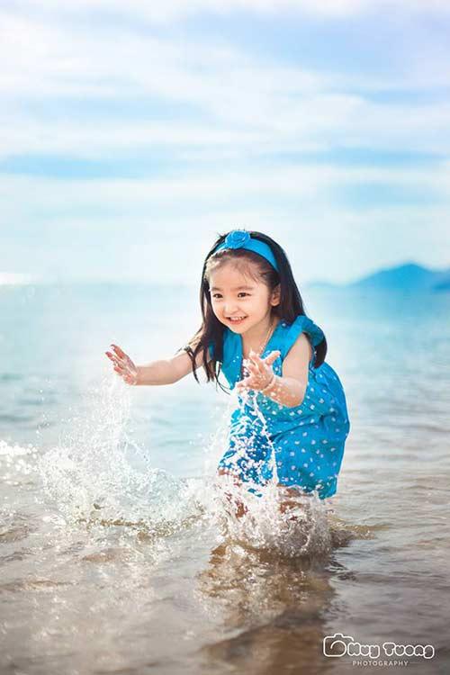 """""""Chao đảo"""" với bộ ảnh mới của thiên thần nhí 4 tuổi Sài Gòn-6"""