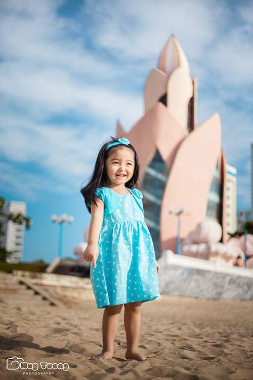 """""""Chao đảo"""" với bộ ảnh mới của thiên thần nhí 4 tuổi Sài Gòn-12"""
