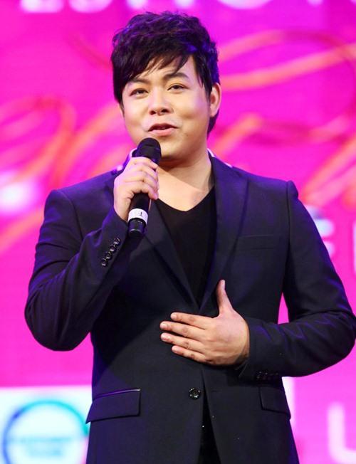 quang le va nhung scandal on ao dau nam 2015 - 1