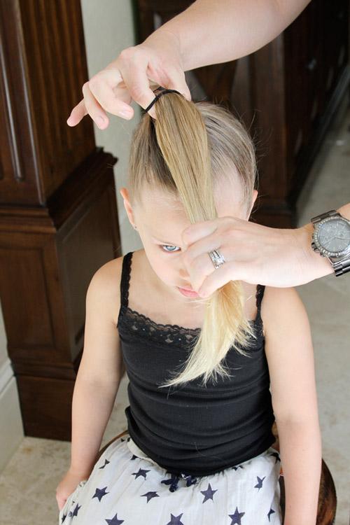 5 phút làm tóc nơ xinh-mát-gọn cho con gái yêu-5