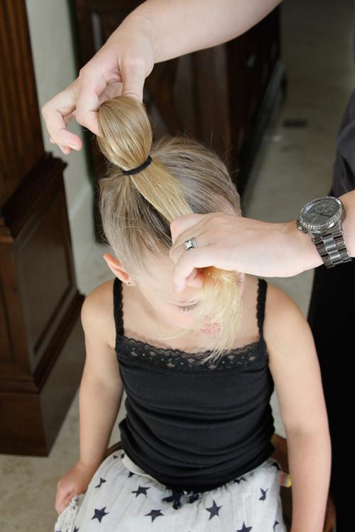 5 phút làm tóc nơ xinh-mát-gọn cho con gái yêu-6