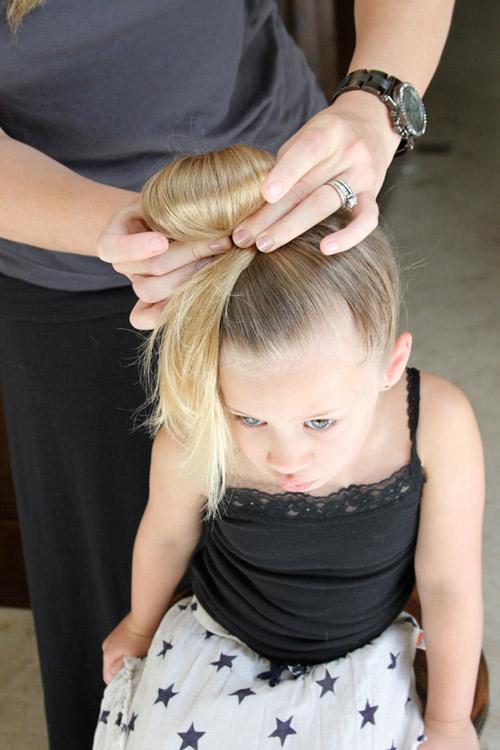 5 phút làm tóc nơ xinh-mát-gọn cho con gái yêu-7