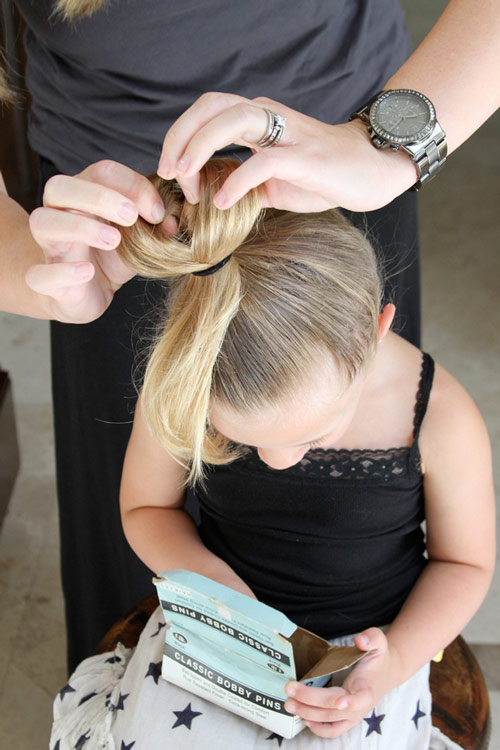 5 phút làm tóc nơ xinh-mát-gọn cho con gái yêu-8