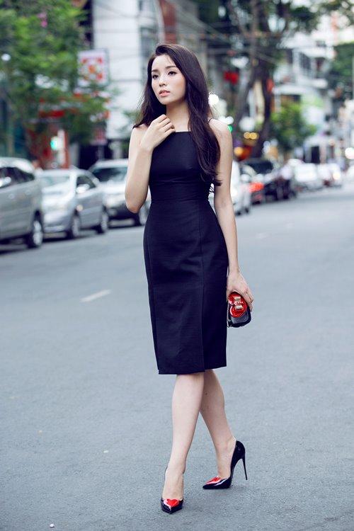 Kỳ Duyên 'ẵm' danh hiệu sao Việt trang điểm xấu tháng 6 - 7
