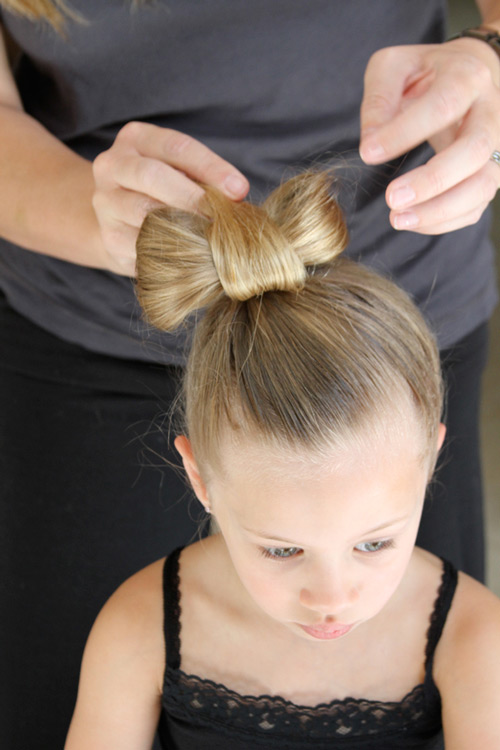 5 phút làm tóc nơ xinh-mát-gọn cho con gái yêu-10