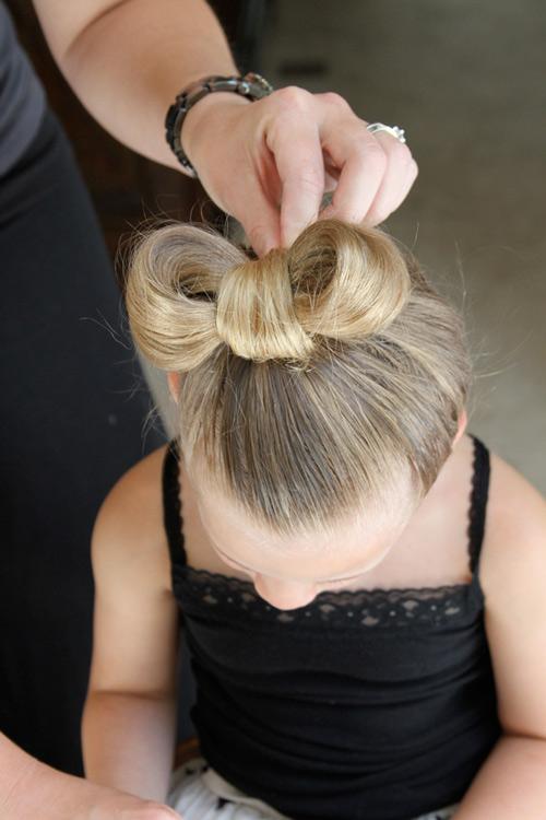 5 phút làm tóc nơ xinh-mát-gọn cho con gái yêu-11