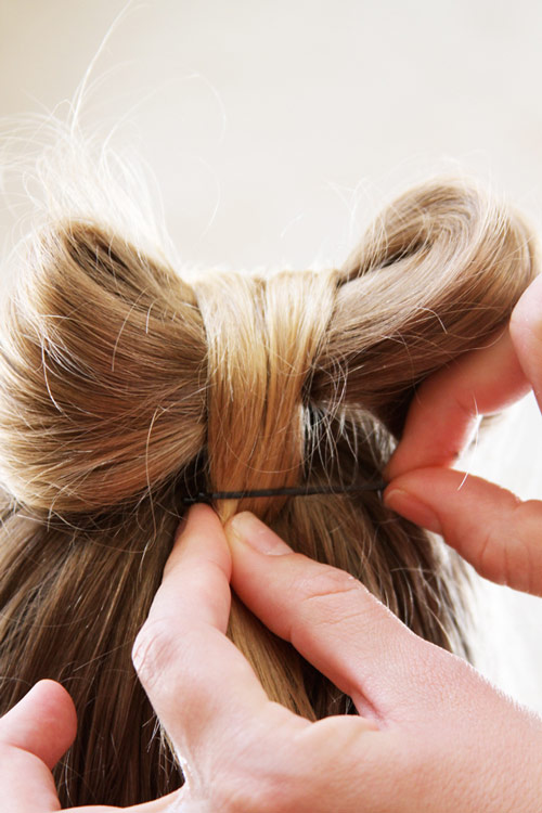 5 phút làm tóc nơ xinh-mát-gọn cho con gái yêu-12