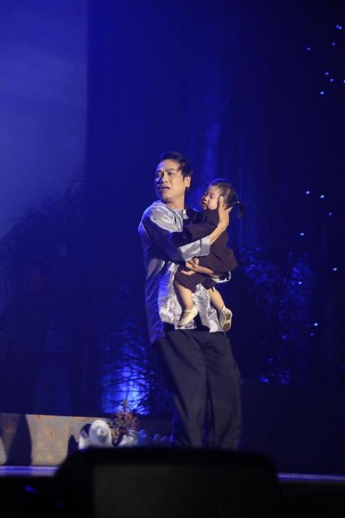 """Con gái Trương Minh Cường hơn 1 tuổi đã biết """"hái ra tiền""""-8"""