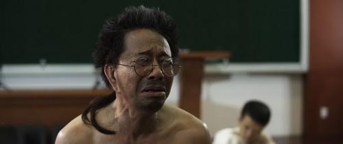 """Danh hài Bảo Chung """"bán nude"""" trước mặt Việt Hương-11"""