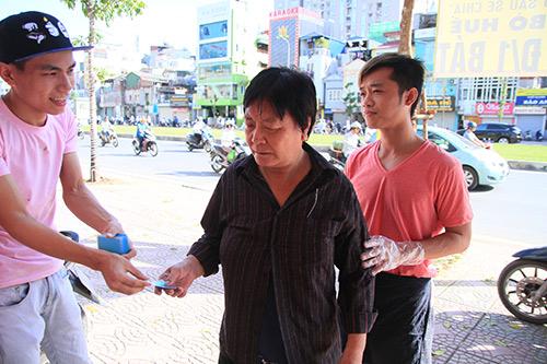 Quán bún bò giá 1.000 đồng cho người nghèo giữa Thủ đô-7
