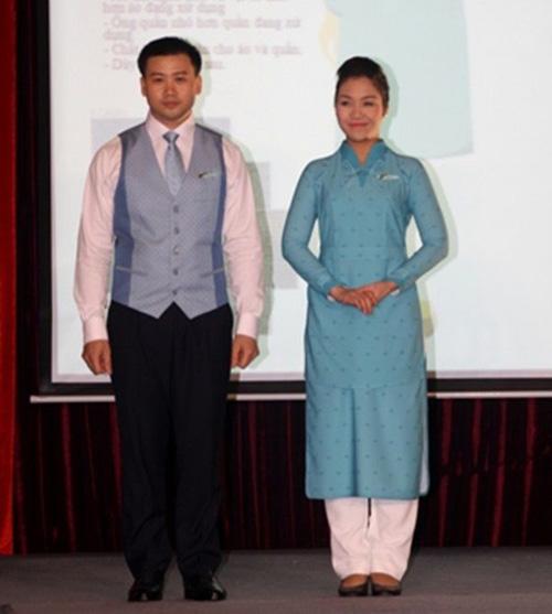 Đồng phục chính thức của Vietnam Airlines được khen ngợi - 1