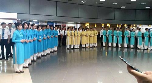 Đồng phục chính thức của Vietnam Airlines được khen ngợi - 7
