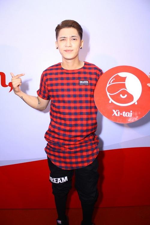 """chi pu an mac tre trung """"nhang nhit"""" ben hari won - 13"""