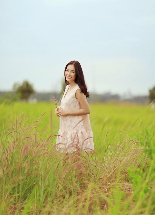 """duong cam lynh khoe """"mat moc"""" giua dong hoang - 9"""