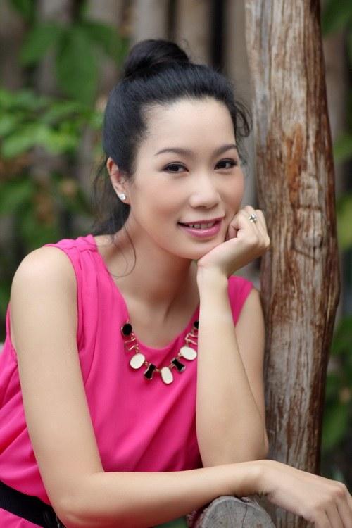 "trinh kim chi giam can ""sieu toc"" sau 20 ngay sinh con - 1"