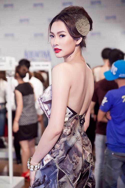 cuọc sóng tràm lạng của 3 mỹ nhan ten phuong trong showbiz - 8