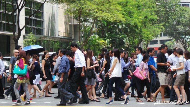 "vi sao nguoi lao dong singapore ""phien muon"" nhat chau a - 1"