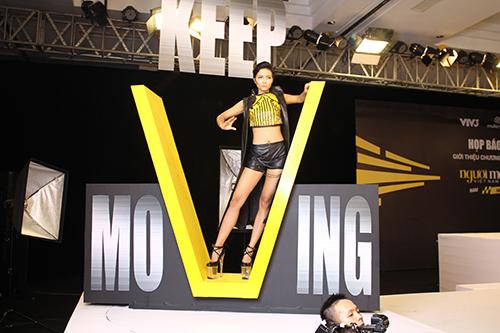 """thi sinh next top model va """"mo hoi hot"""" vi giay cao 20cm - 12"""