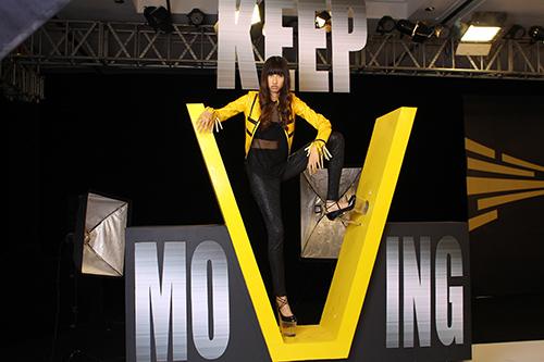 """thi sinh next top model va """"mo hoi hot"""" vi giay cao 20cm - 7"""