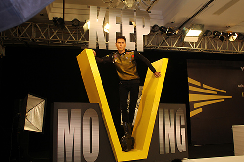 """thi sinh next top model va """"mo hoi hot"""" vi giay cao 20cm - 10"""