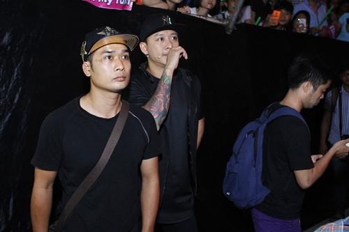 tuan hung to ve khong thoai mai trong hau truong the voice - 7