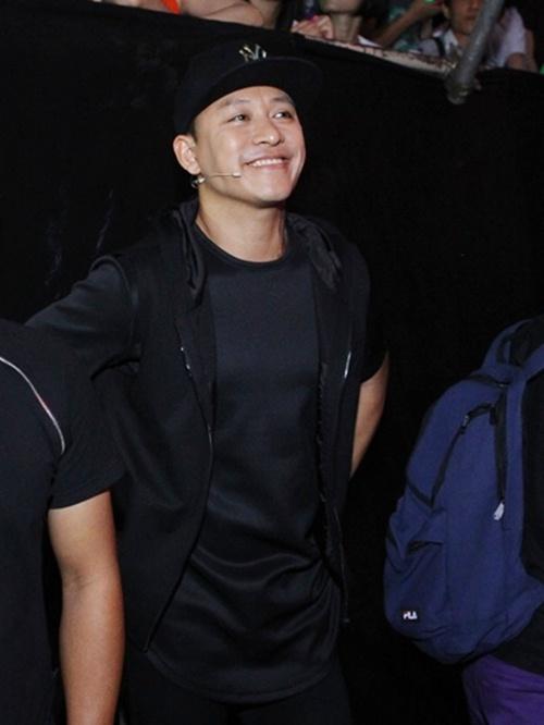 tuan hung to ve khong thoai mai trong hau truong the voice - 8