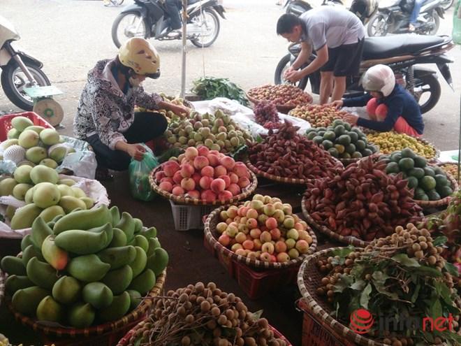 """dan so """"hang tau"""", hoa qua thai lan tran ngap hn - 3"""