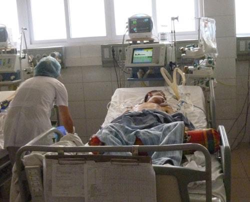 mot thanh nien nhiem nao mo cau dau tien trong nam 2015 - 1