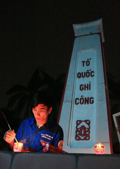 cam dong hinh anh tuong niem cac anh hung liet si - 5