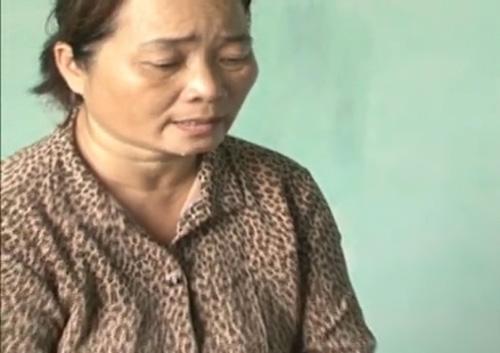 nu giam doc tron truy na 17 nam khong dam ve tang cha - 1