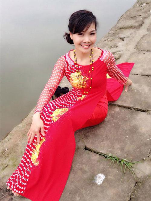 ba me ha thanh 2 con u50 dang chuan nhu thieu nu - 2