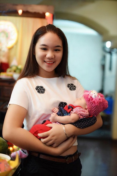 vo chong trinh kim chi khoe con gai 1 thang tuoi - 6