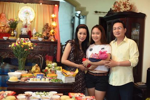 vo chong trinh kim chi khoe con gai 1 thang tuoi - 7
