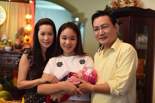 vo chong trinh kim chi khoe con gai 1 thang tuoi - 8