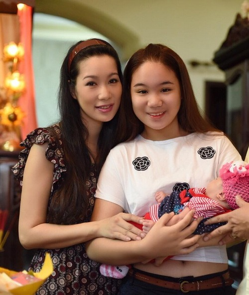 vo chong trinh kim chi khoe con gai 1 thang tuoi - 10