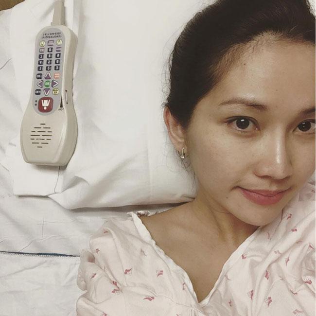 Nữ diễn viênKim Hiền và gia đình đã chính thức định cư tại Mỹ cách đây chưa lâu. Côđã quyết định giã từ nghệ thuật để chu toàn cho gia đình nhỏ của mình. Sáng nay (23/7)Kim Hiền đăng ảnh cho biết cô đã sinh con gái thứ 2 tại Mỹ.