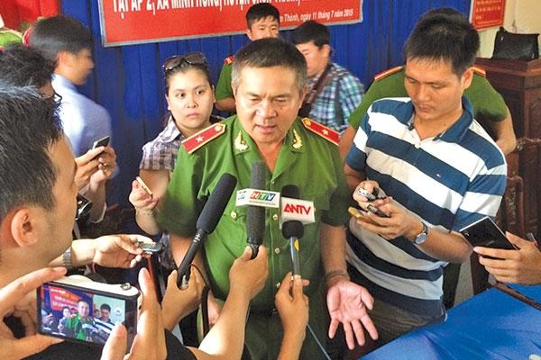 """tuong ho sy tien ke hau truong pha hai vu """"tham an"""" - 1"""