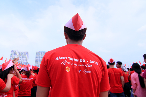 5.000 ban tre xep hinh canh chim hac van dong hien mau - 15