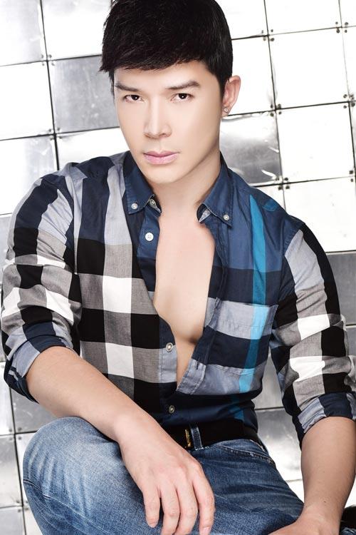 nathan lee chan thuong cot song van lam sinh nhat hoanh trang - 5