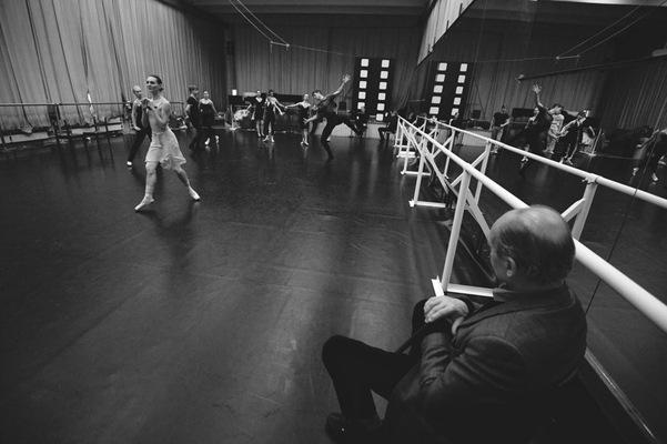 """""""ho thien nga"""" - kiet tac ballet nga giua long ha noi - 2"""
