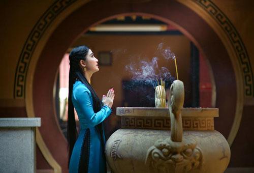 di chua, hanh le nhu the nao cho dung? - 1