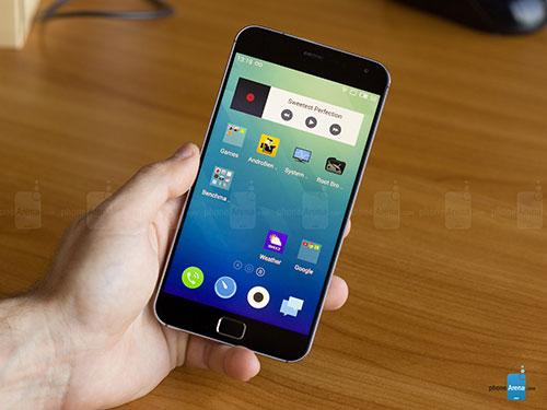 """nhung smartphone so huu man hinh """"lech chuan"""" - 6"""