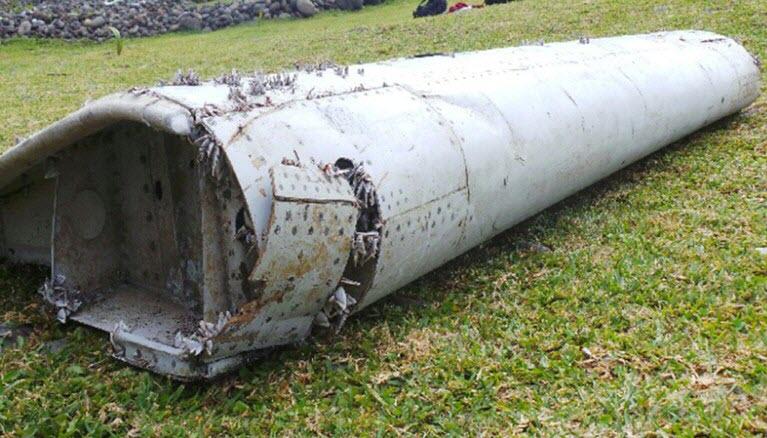 phat hien manh vo nghi cua may bay mh370 - 1