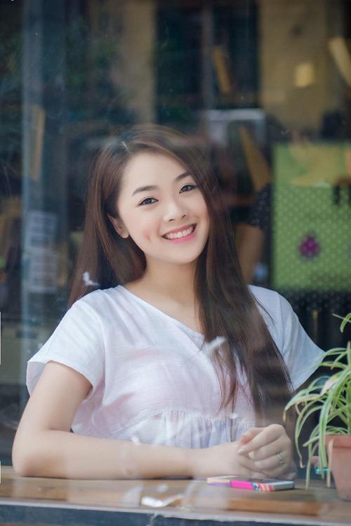 hot girl vietnam idol 2015 khoe ve quyen ru trong mv moi - 1