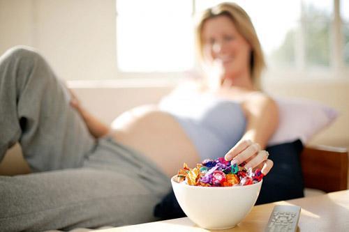 khi mang thai, ba bau co nen an cho hai nguoi? - 1