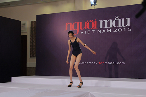 vntm 2015: thi sinh thua nhan dong tinh va bi bao hanh - 6