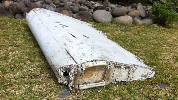 nguoi don bai bien ke lai viec phat hien manh vo nghi cua mh370 - 1