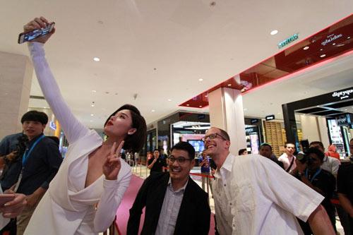 """miu le tham du buoi cong chieu """"inside out"""" tai malaysia - 5"""