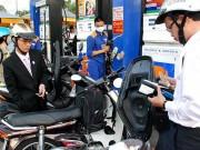 Tin tức - Giá xăng tiếp tục giảm hơn 800 đồng/lít từ 15h chiều nay