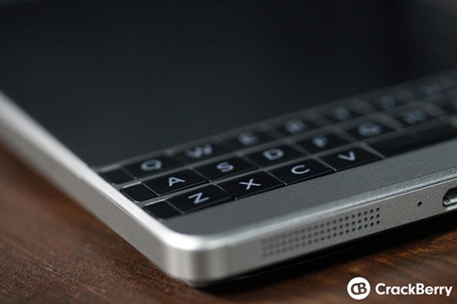 "blackberry passport ""bac"" lo dien - 6"
